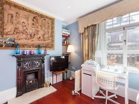 Stylish 1Bed Sleeps 4 Above Bond Street Station photos Exterior