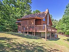 'Happy Ours' Sevierville Cabin W/ Mtn. Views! photos Exterior