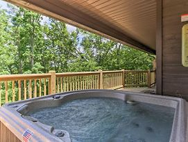 Remodeled Cabin W/ New Deck - 9 Mi To Gatlinburg! photos Exterior