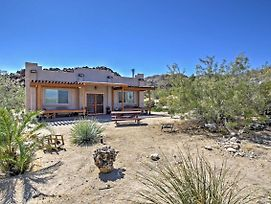House On 2.5 Acres Near Entrance To Joshua Tree! photos Exterior