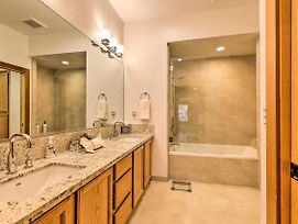 Luxury Incline Village Townhouse - Ideal Location! photos Exterior