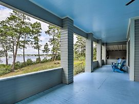 Large Historic Home Overlooking Carrabelle Harbor photos Exterior