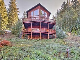 'Grizzly Tower' Packwood Cabin W/ Forest Views! photos Exterior