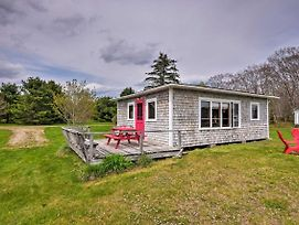 New! 'Raspberry Cottage' W/ Rowboat On Back Cove! photos Exterior