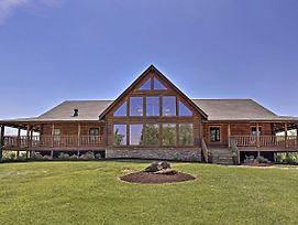 Beautiful Bluegrass Home On Just Under 100 Acres! photos Exterior