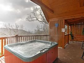 'Hills Hideaway' Sevierville Cabin W/Mountain View photos Exterior