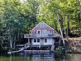 Pristine 2Br E Wakefield Cottage On Waterfront! photos Exterior
