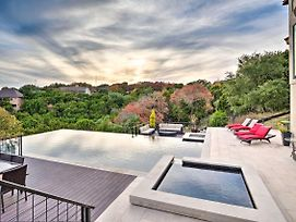 Chic Home With Infinity Pool, 10 Mi To Downtown! photos Exterior