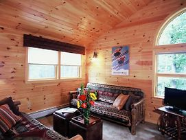Upscale Fryeburg Lodge Home With Hot Tub - By Conway photos Exterior