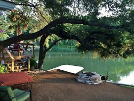 Waterfront Lake Lbj Cabin W/ Dock, Canoe & Bikes! photos Exterior