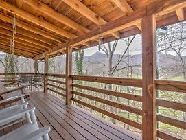 Picture Perfect Cabin W/ Decks, Fire Pit & Hot Tub photos Exterior