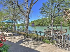 Spacious Seguin Home On Lake Placid W/ Dock & Deck photos Exterior