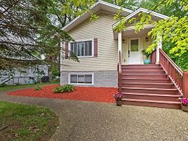 Union Pier Home W/ Large Deck, Hot Tub & Backyard! photos Exterior