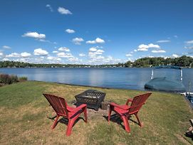 Lakefront Benton Harbor Home With Dock And Huge Yard! photos Exterior