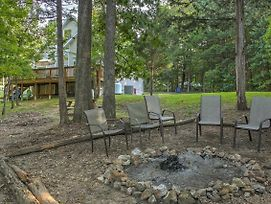 Lakefront Blue Eye Cottage W/ Hot Tub & Fire Pit! photos Exterior