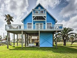 Cozy Surfside Beach House W/ Deck & Gulf Views! photos Exterior