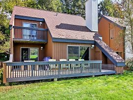 Stowe Townhome With Deck, Mtn Views And Resort Perks! photos Exterior