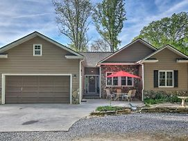Maggie Valley Home W/ Hot Tub, Deck & Forest Views photos Exterior