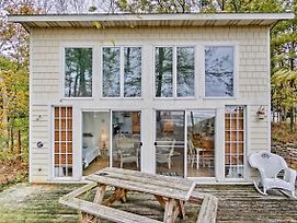 Beachfront Lake Michigan Cottage With Fire Pit And Deck photos Exterior