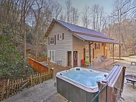 Bryson City Cottage W/ Hot Tub & Waterfall Views! photos Exterior