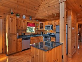 Warm & Cozy Cabin W/Deck On Top Of The Blue Ridge! photos Exterior