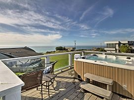 Irish Beach Home W/Rooftop Hot Tub & Ocean Views! photos Exterior