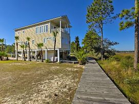 Riverfront Carrabelle Home W/Patio & Private Dock photos Exterior