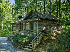 Cozy Robbinsville Cabin With Deck And Forest Views! photos Exterior