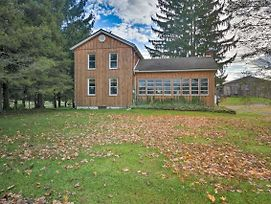 Vintage Farmhouse 2.4 Miles To Mount Pleasant Ski! photos Exterior