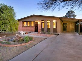 Modern Beauty In The Best Tucson Location! photos Exterior
