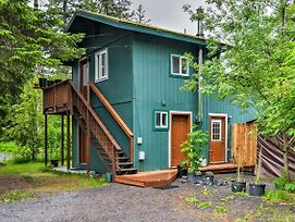 Privately Located Seward Apt W/Backyard&Mtn Views photos Exterior