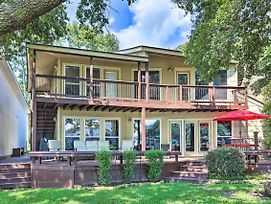 Lakefront Montgomery Home W/ Porch & Dock! photos Exterior