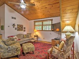 Couples Cabin - 5 Mi To Dt Berkeley Springs! photos Exterior