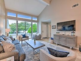 Lakefront Montgomery Condo With Country Club Access! photos Exterior