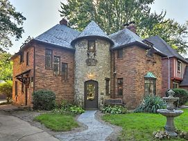 Castle-Style House ~1 Mi To Univ. Of Toledo! photos Exterior
