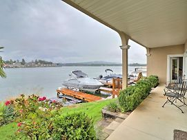 Lakefront Hot Springs Condo W/Boat Dock, Pool photos Exterior