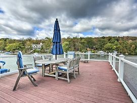 Lake Hopatcong Family Home With Boat Slip And Dock photos Exterior