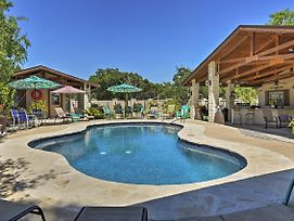 Peaceful Kerrville House W/Private Pool & Hot Tub! photos Exterior