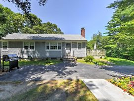 Cape Cod Home On 1+ Acre Just Mins From Beaches! photos Exterior