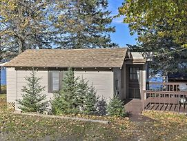 Cozy Cabin W/ Deck & Pvt Dock On Nelson Lake! photos Exterior
