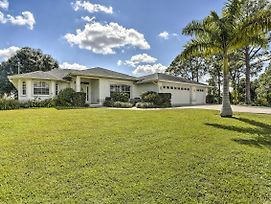 Chic Fort Myers Home With Covered Pool - 3Mi To Shops photos Exterior