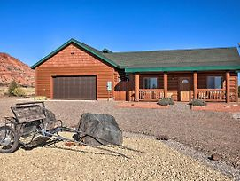 Kanab Log Cabin: Explore Zion + Sand Dunes! photos Exterior