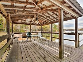 New! Lakefront Cottage - Swim, Boat, Fish & Golf! photos Exterior