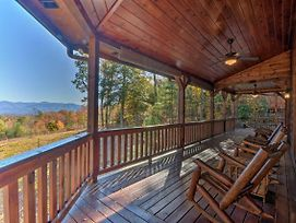 Year-Round Mountain View Hideaway With Deck And Hot Tub photos Exterior