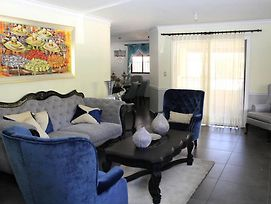 Beautiful And Quiet 2Nd Floor Apartment In Gascue photos Exterior