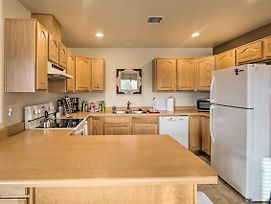 Red Rock Retreat With Patio - 3Mi To Downtown Sedona! photos Exterior