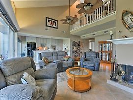 Waterfront Lake Conroe Home With Community Amenities photos Exterior