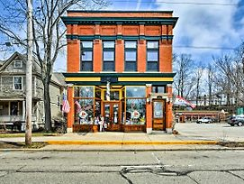 Historic Downtown Saugatuck Loft Apartment! photos Exterior