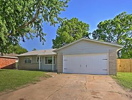 Spacious House With Yard - Mins From Downtown Tulsa! photos Exterior