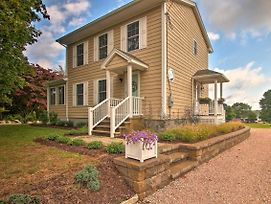 Pawcatuck Riverfront Home With Yard - Mins To Beach! photos Exterior